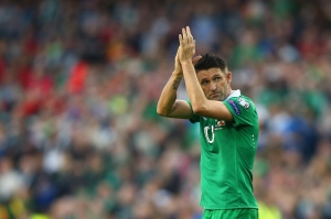 DUBLIN, IRELAND - OCTOBER 11:  Robbie Keane of Republic of Ireland applauds the fans during the EURO 2016 Qualifier match between Republic of Ireland and Gibraltar at Aviva Stadium on October 11, 2014 in Dublin, Ireland.  (Photo by Ian Walton/Getty Images)
