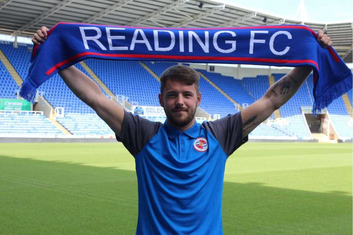 McNulty signs for Reading