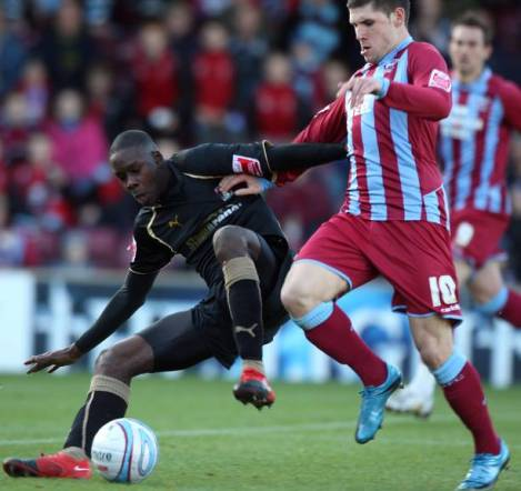 Leon Barnett forced to retire due to heartcondition